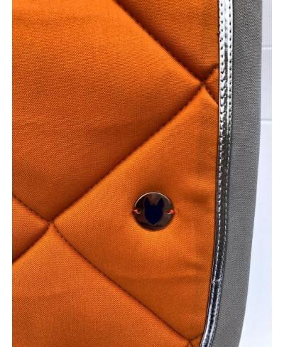 tapis de selle orange et argent